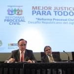 Lea la nota de El Mercurio Legal sobre seminario en la UC