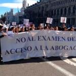 """España: """"Abogados Sin Toga"""" se manifiestan en contra del examen nacional de acceso al ejercicio de la Abogacía"""